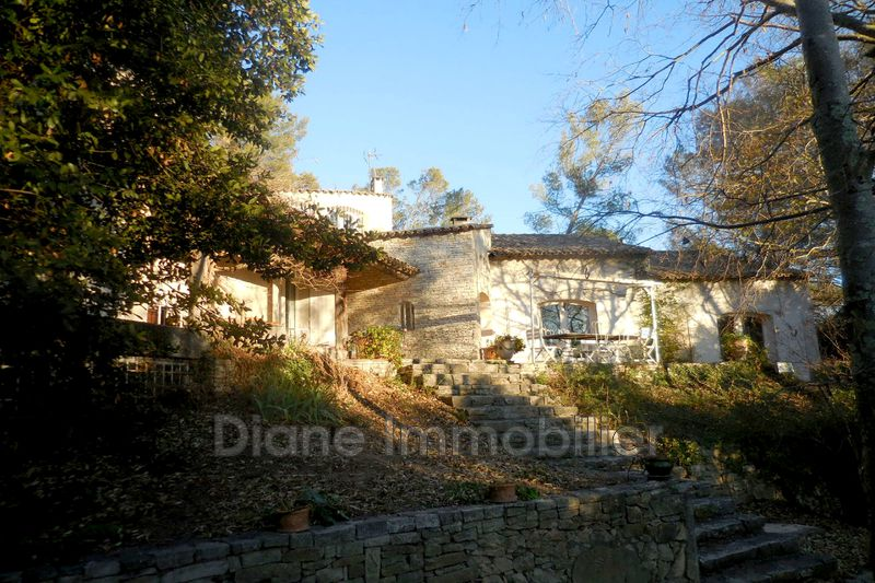 Photo Villa Nîmes   achat villa  4 chambres   200m²