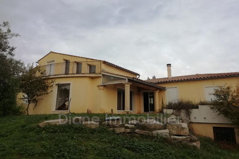 Photo Villa Nîmes   achat villa  6 chambres   200m²