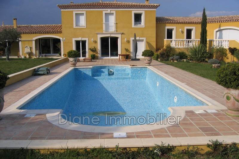 Photo Villa Nîmes   achat villa  5 chambres   300m²