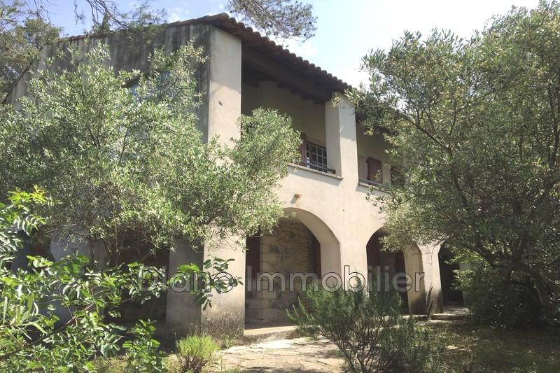 Photo Villa Nîmes   achat villa  6 chambres   190m²