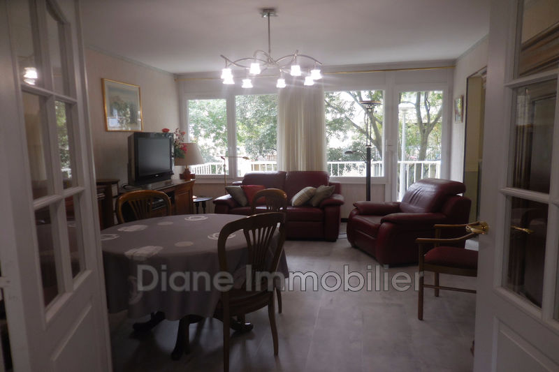 Photo Appartement Nîmes   achat appartement  4 pièces   85m²