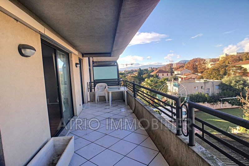 Photo Appartement Saint-Laurent-du-Var Les vespins,   achat appartement  2 pièces   63 m²