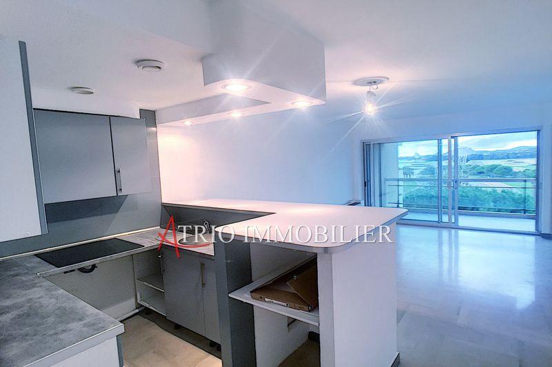 Photo Appartement Cagnes-sur-Mer Hippodrome,   achat appartement  2 pièces   52m²