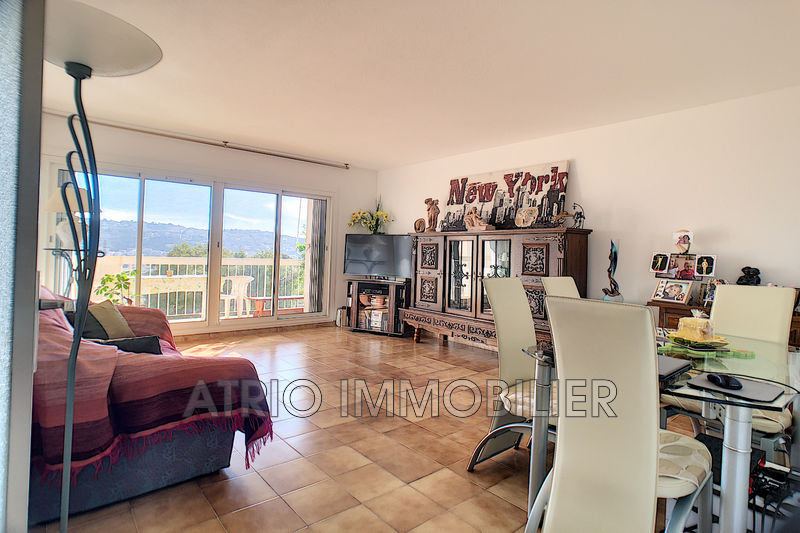 Photo Appartement Saint-Laurent-du-Var   achat appartement  4 pièces   80 m²
