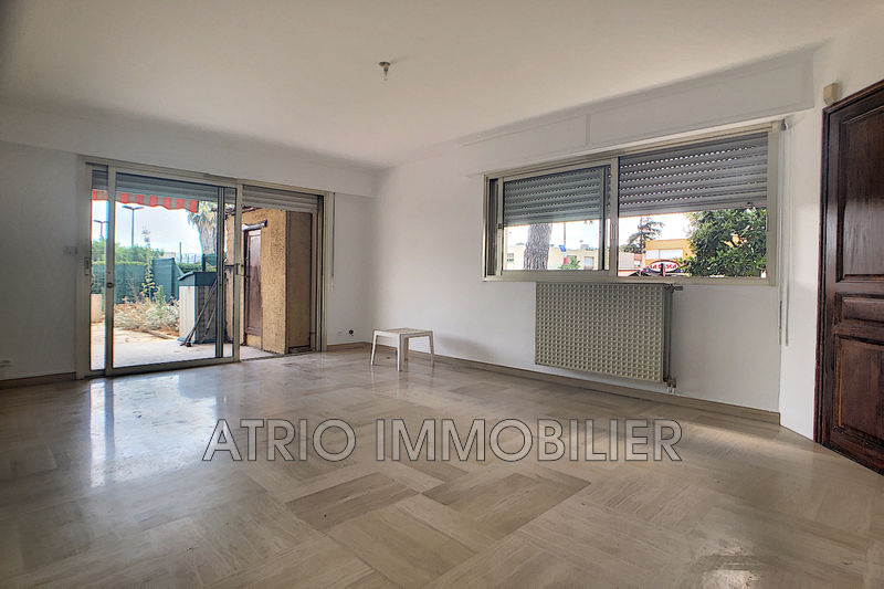 Photo Appartement Saint-Laurent-du-Var   achat appartement  3 pièces   72 m²