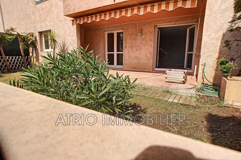 Photo Appartement Saint-Laurent-du-Var   achat appartement  3 pièces   70 m²