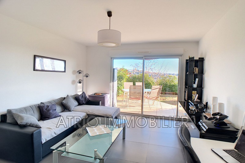 Photo n°5 - Vente appartement Saint-Laurent-du-Var 06700 - 359 000 €