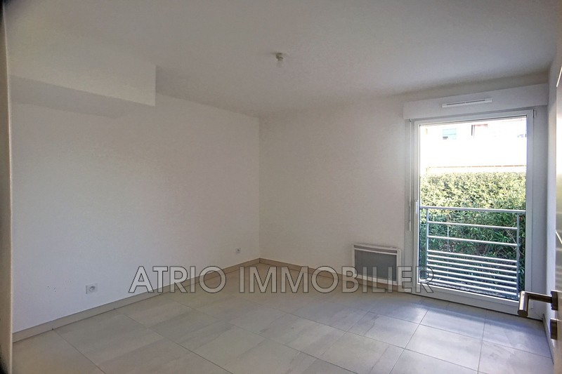 Photo n°4 - Vente appartement Saint-Laurent-du-Var 06700 - 387 000 €