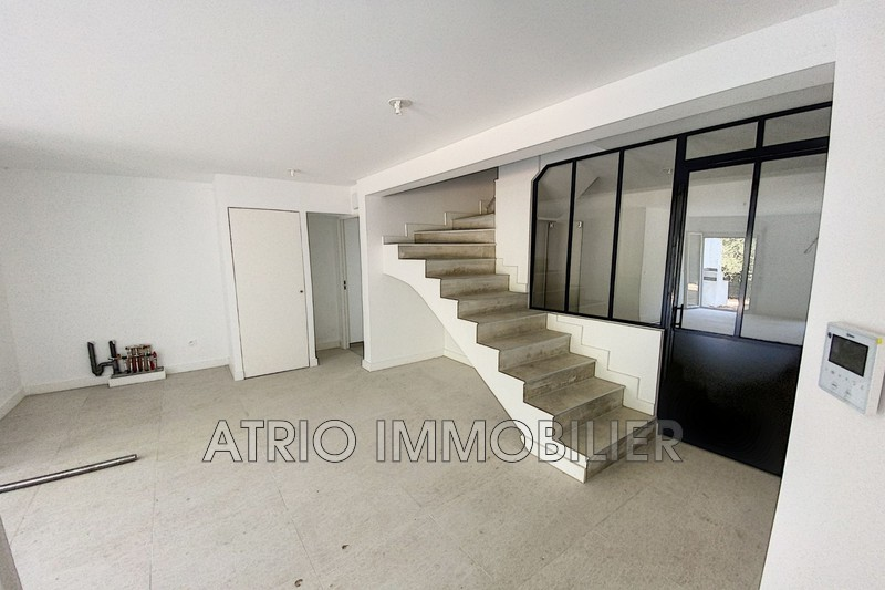Photo Appartement Saint-Laurent-du-Var Montaleigne,   achat appartement  2 pièces   50 m²