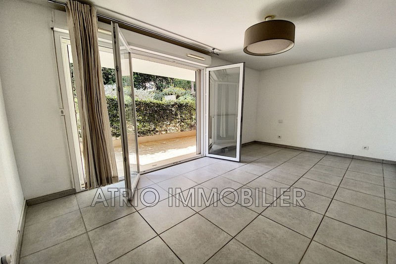 Photo Appartement Saint-Laurent-du-Var Rascas,   achat appartement  1 pièce   28 m²