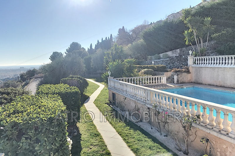 Photo Villa Saint-Laurent-du-Var   to buy villa  6 bedrooms   280 m²