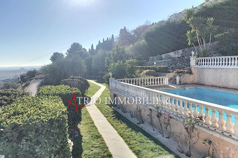Photo Villa provençale Saint-Laurent-du-Var   achat villa provençale  6 chambres   280m²