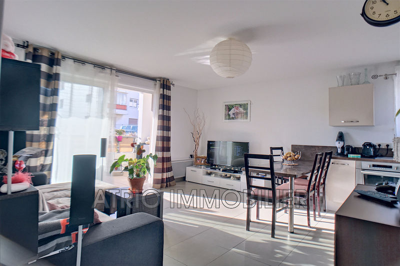 Photo Appartement Saint-Laurent-du-Var Rascas,   achat appartement  3 pièces   62 m²
