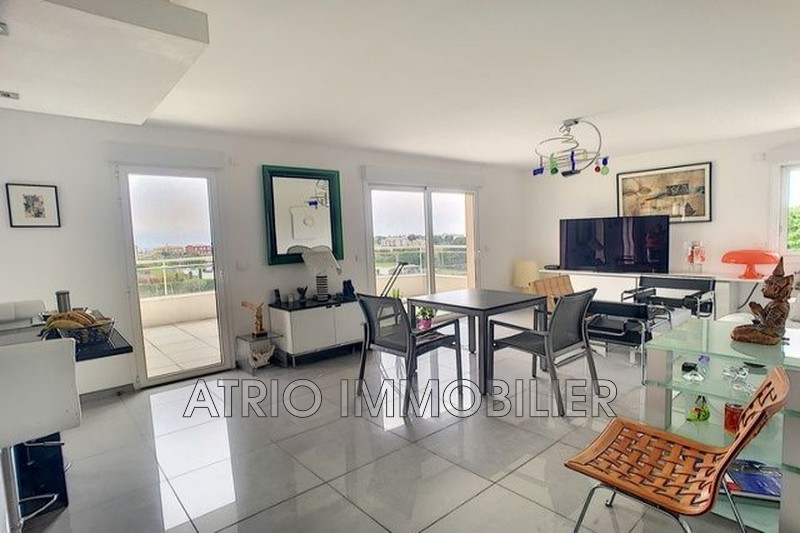 Photo n°2 - Vente appartement Saint-Laurent-du-Var 06700 - 579 000 €