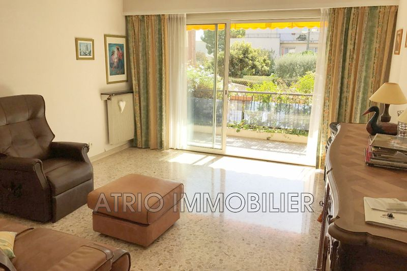 Photo Appartement Saint-Laurent-du-Var Centre ville,   achat appartement  3 pièces   81 m²