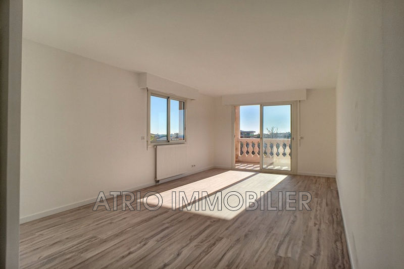 Photo n°4 - Vente appartement Saint-Laurent-du-Var 06700 - 295 000 €