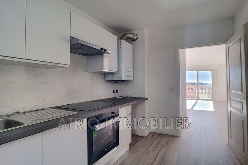 Photo n°3 - Vente appartement Saint-Laurent-du-Var 06700 - 295 000 €