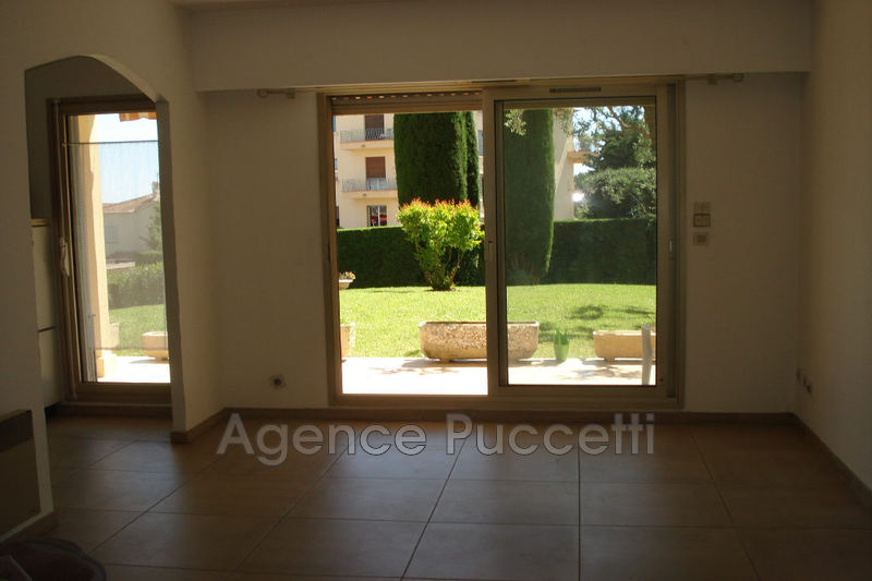 Photo Appartement Vence La piscine,  Location appartement  2 rooms   46 m²