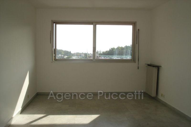 Photo Appartement Vence Centre-ville,  Location appartement  2 rooms   49m²