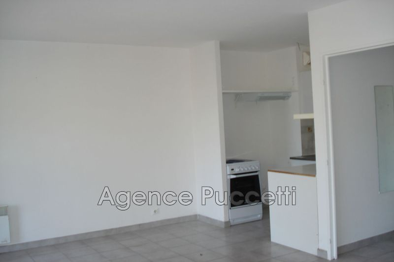 Photo Appartement Vence Proximité centre ville,  Location appartement  1 room   28m²