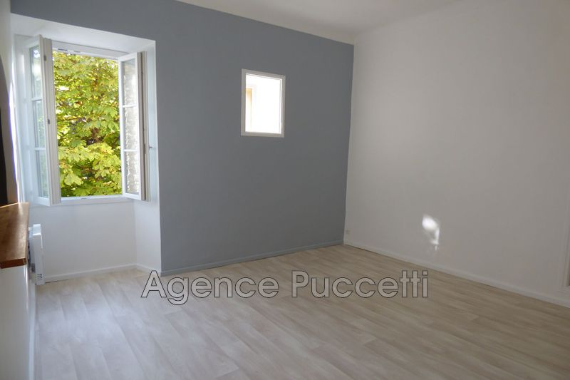 Photo Appartement Vence Centre-ville,  Location appartement  1 room   29 m²
