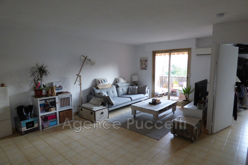 Photo Appartement Vence Centre-ville,  Location appartement  2 pièces   59 m²