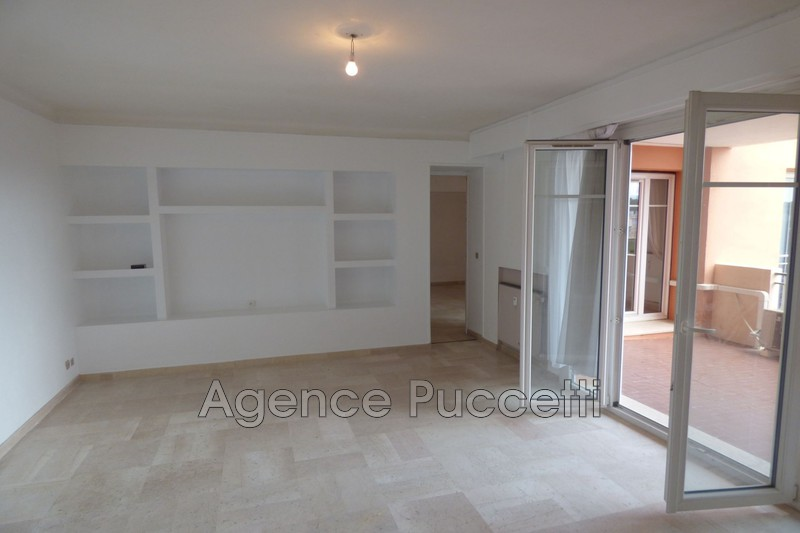 Photo Appartement Vence Centre-ville,  Location appartement  2 pièces   63 m²