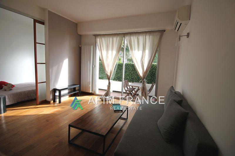 Photo Appartement Roquebrune-Cap-Martin Proche plages,  Location appartement  2 pièces   35m²