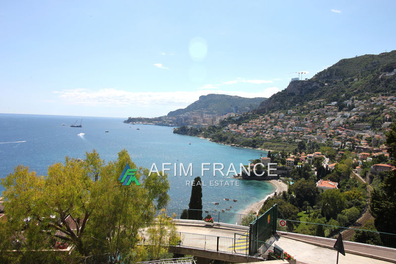 Photo Appartement Roquebrune-Cap-Martin  Location appartement  2 pièces   54 m²