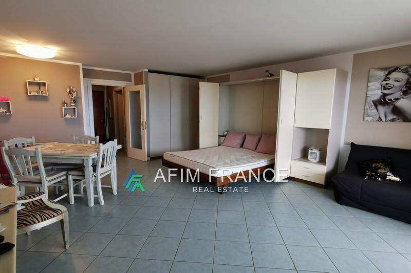 Photo Appartement Beausoleil Guynemer,  Location appartement  1 pièce   39m²
