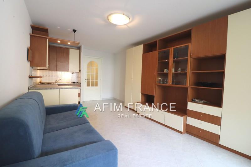 Photo Apartment Roquebrune-Cap-Martin Proche plages,  Rentals apartment  1 room   28m²