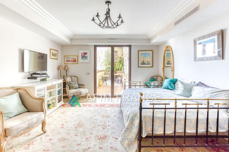 Photo Apartment Roquebrune-Cap-Martin  Rentals apartment  1 room   31m²