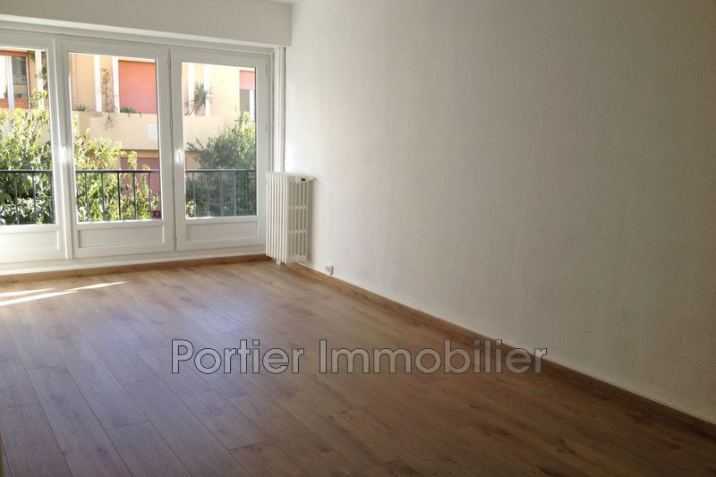 Photo Appartement Antibes Centre,  Location appartement  2 pièces   48 m²