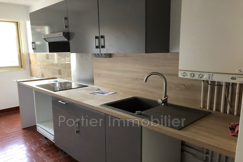 Photo Appartement Antibes Hauteurs,  Location appartement  3 pièces   80 m²