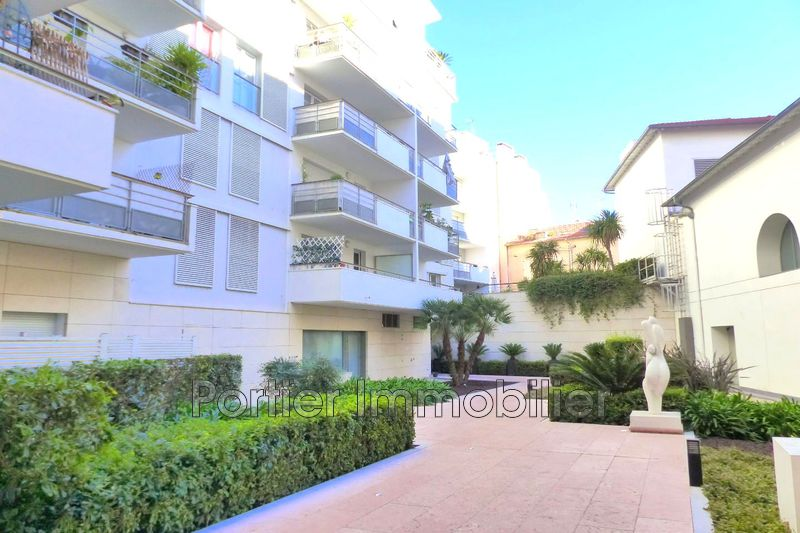Photo Appartement Antibes Centre,   achat appartement  2 pièces   52m²