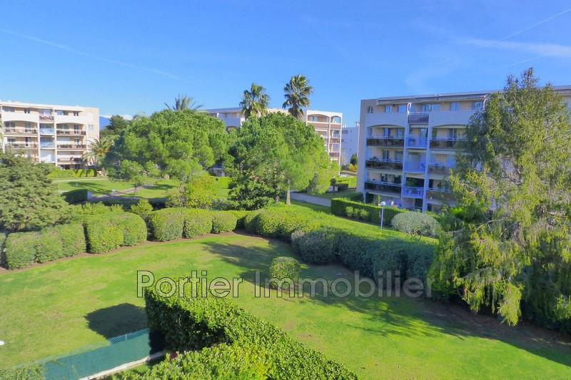Photo Appartement Antibes Combes,   achat appartement  4 pièces   78 m²