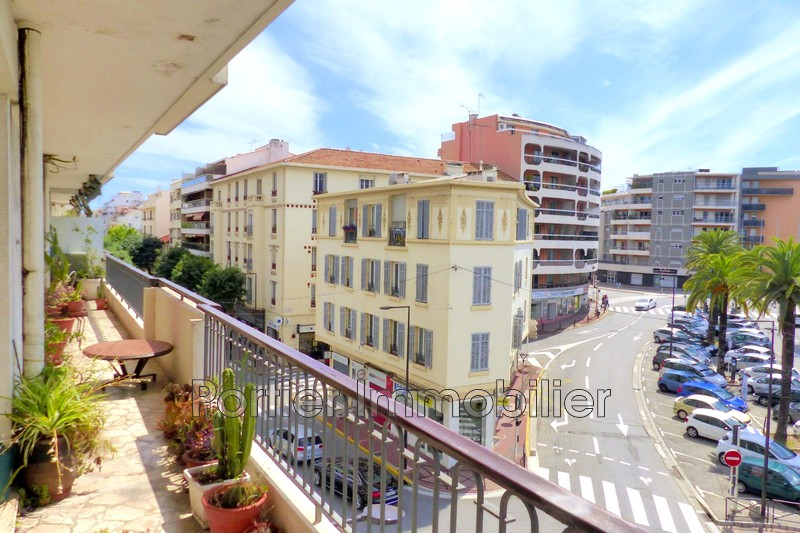 Photo Apartment Antibes Centre,   to buy apartment  2 rooms   51m²