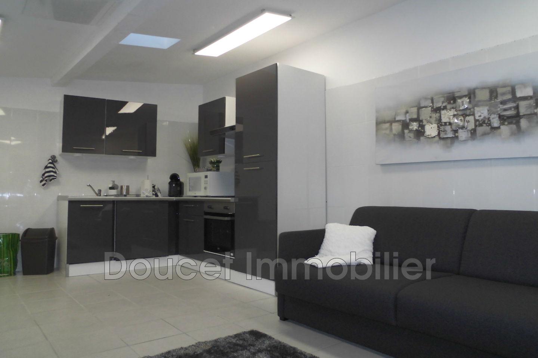 location appartement b ziers 34500 350. Black Bedroom Furniture Sets. Home Design Ideas