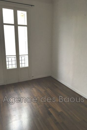 Photo Appartement Vence Centre-ville,  Location appartement  2 pièces   47m²