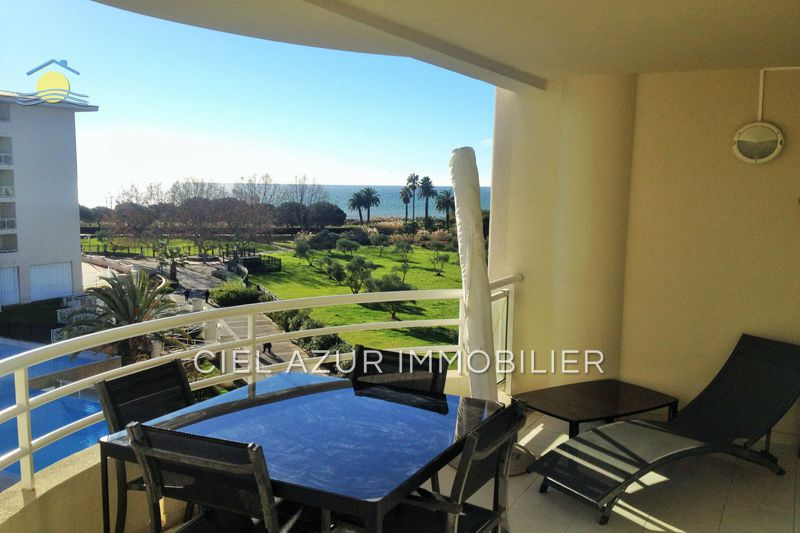 Photo Apartment Juan-les-Pins Bijou plage,  Location saisonnière apartment  2 rooms   31 m²