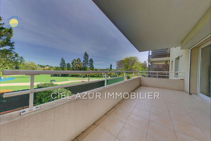 Appartement Mandelieu-la-Napoule Centre-ville,  Location appartement  2 rooms   45 m²