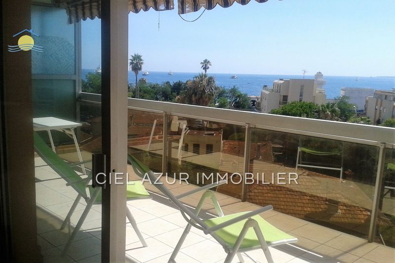 appartement  1 room  Juan-les-Pins Seaside  25 m² -