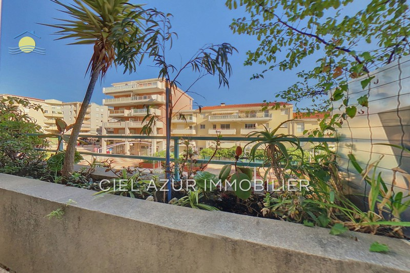 appartement  2 rooms  Juan-les-Pins Antibes les pins  28 m² -