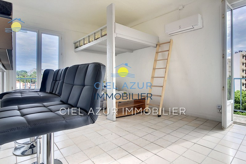 Photo Appartement Juan-les-Pins La pinède,  Location appartement  1 pièce   30 m²