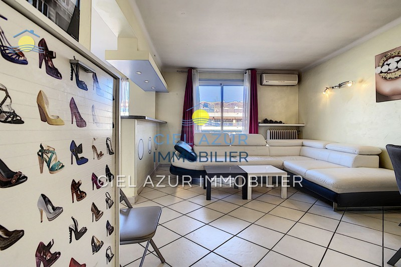 Photo Apartment Juan-les-Pins Square du lys,  Rentals apartment  2 rooms   50 m²