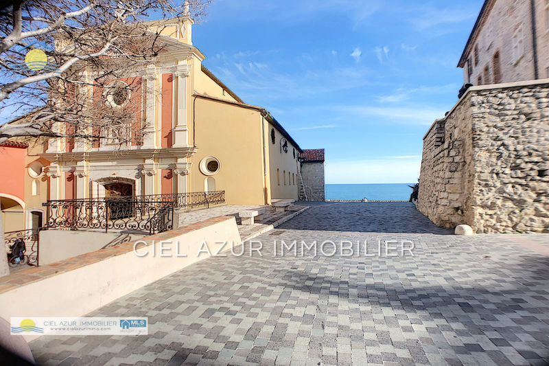 maison  10 rooms  Antibes Downtown  284 m² -