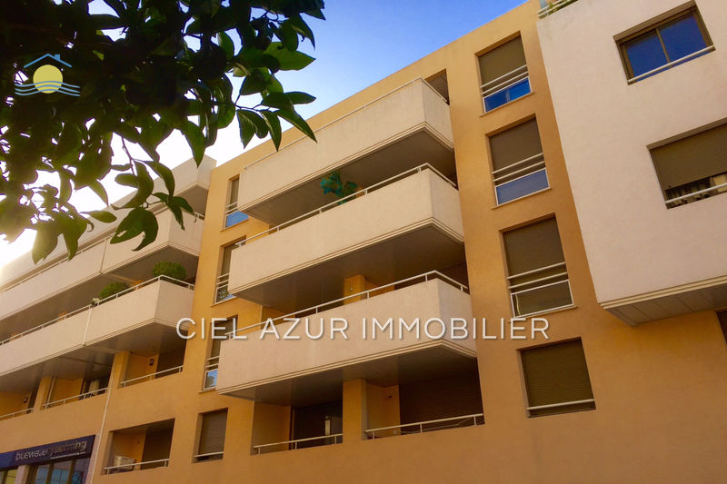 appartement  3 rooms  Antibes Seaside  72 m² -