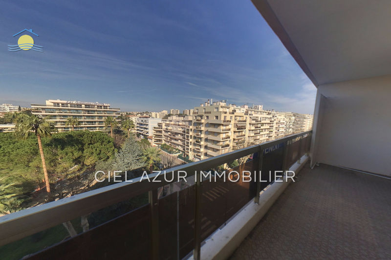 Apartment Juan-les-Pins Centre-ville,   to buy apartment  4 rooms   82 m²
