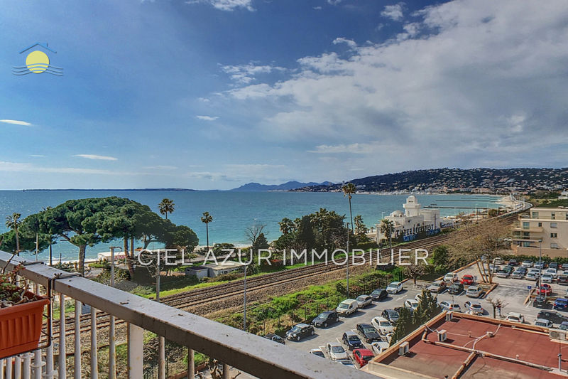 Photo Apartment Juan-les-Pins Bord de mer,   to buy apartment  3 rooms   56 m²