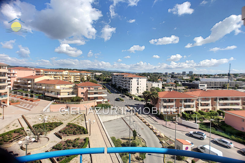 Photo Apartment Juan-les-Pins Bord de mer,   to buy apartment  2 rooms   36 m²